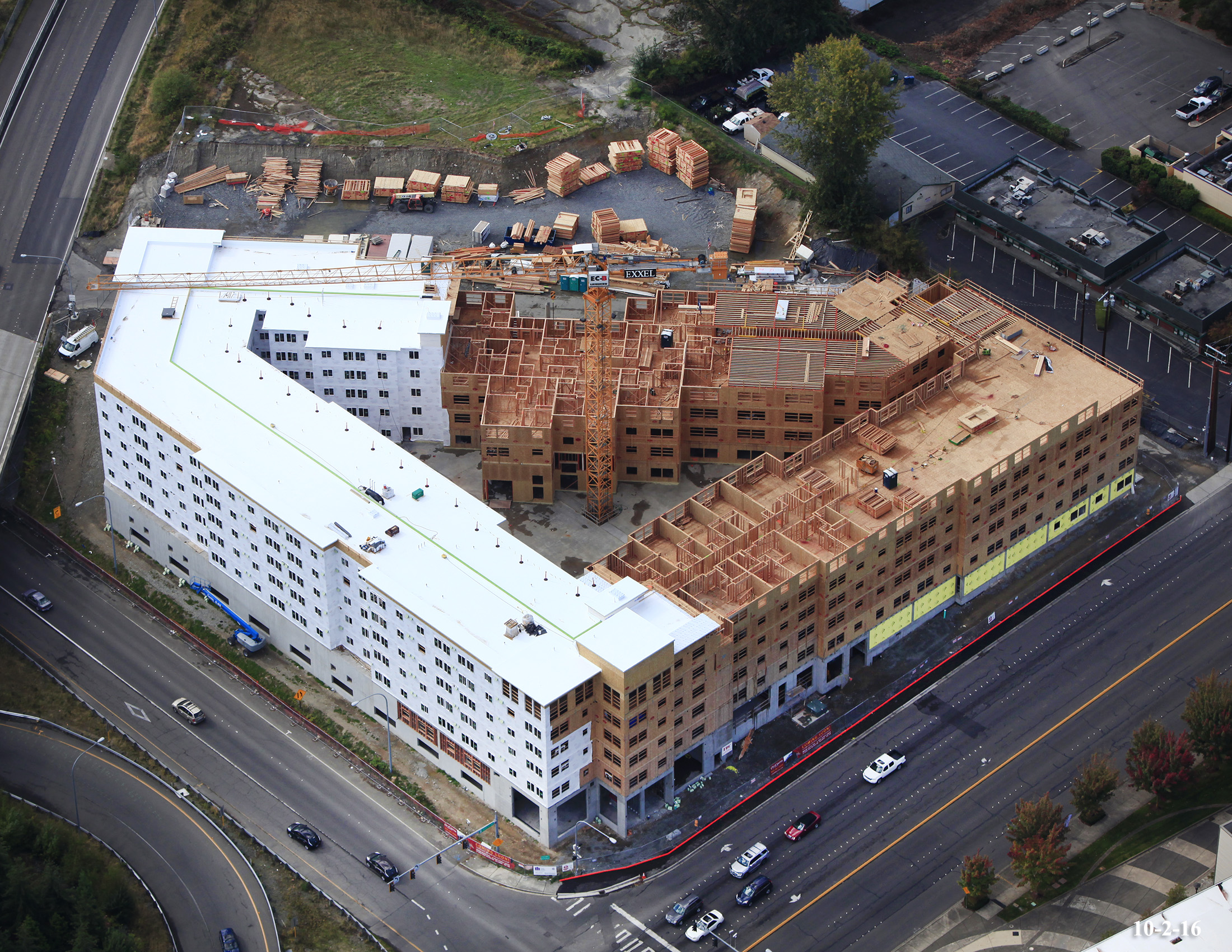 Construction of City Center Apartments in Lynwood