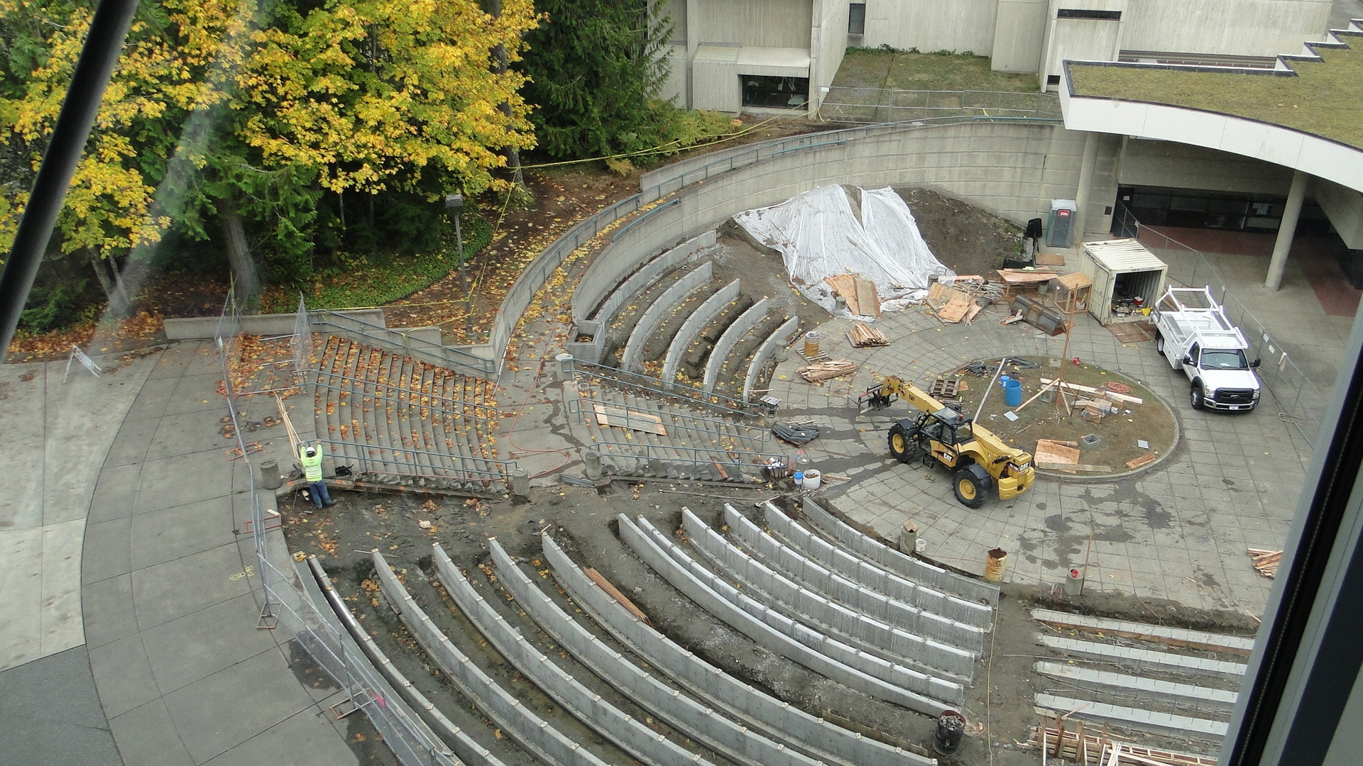 engineering for amphitheater