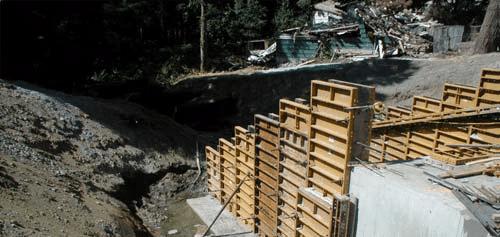 construction of 20 ft retaining walls