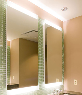 Novo-4-Lighted-Mirror-by-Electric-Mirror-at-the-Trump-International-Hotel-and-Tower-Chicago-Illinois-2-350x405