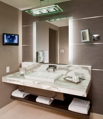Novo-Lighted-Vanity-Mirror-Hotel-Bathroom-Fontainebleau-3-350x405