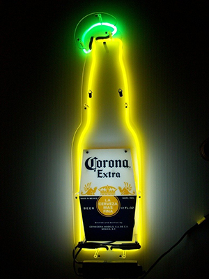 CoronaExtra_sign_bottle_neon