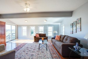 1945 Smithland Rd - Great Room