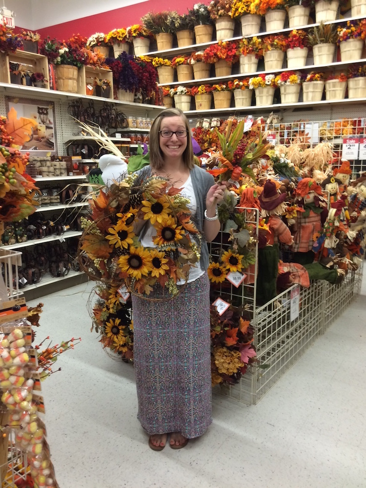 Overwhelmed by fall decorating? Here's how to stylishly decorate for fall on a budget