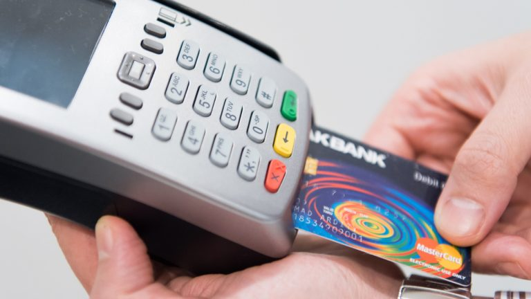 Qual a Melhor Maquininha de Cartão de Crédito 2021