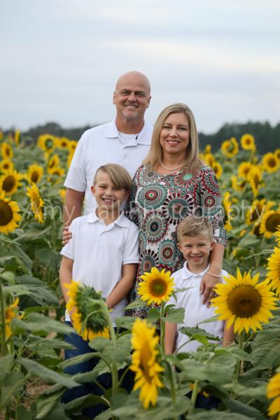 Sapp Family   Sunflower Mini Session