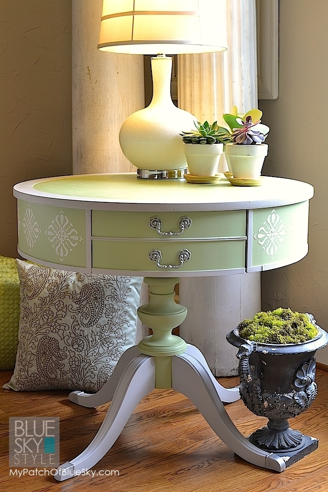 Table painted with Fusion Mineral Paint