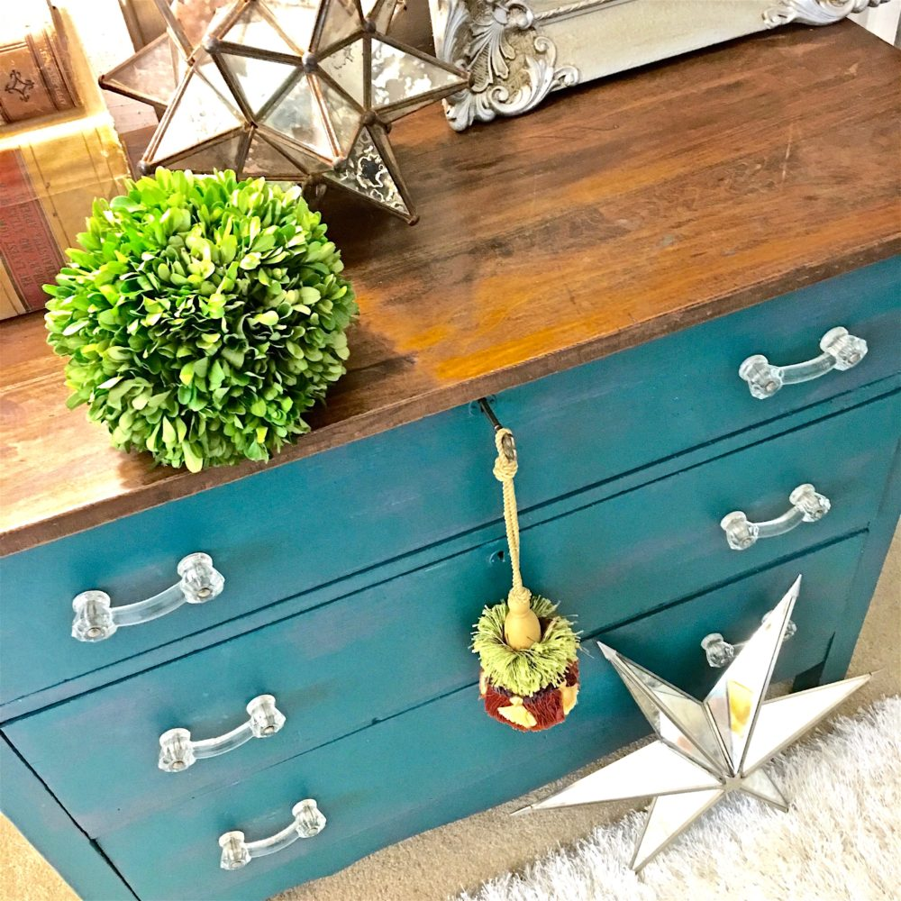 My Patch Of Blue Sky | How To Paint An Old Dresser Using Fusion Mineral Paint