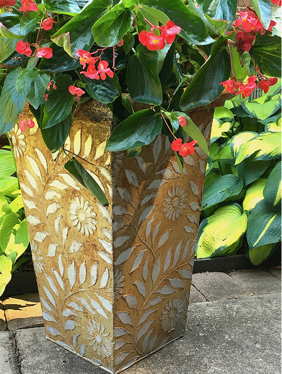 My Patch Of Blue Sky | Paint A Rusty, Silvery Effect On A Planter Project