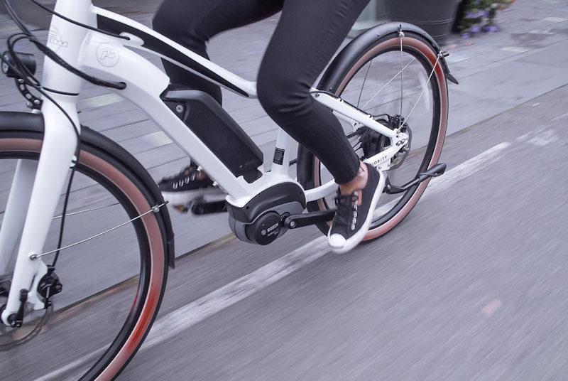 Priority Embark, rider closeup