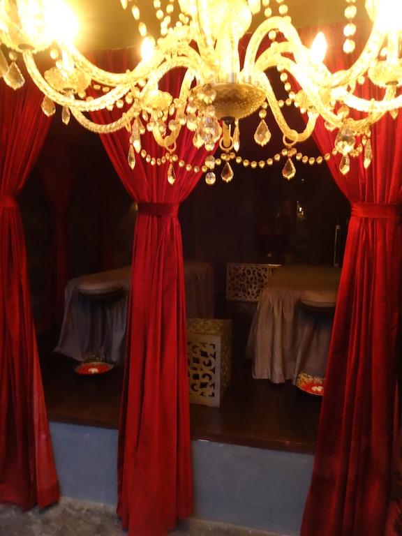 angela-asia-bali-luxury-travel-blog-best-bali-honeymoon-package-villa-mathis-romantic-seminyak-120
