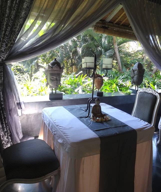 angela-asia-bali-luxury-travel-blog-best-bali-honeymoon-package-villa-mathis-romantic-seminyak-26