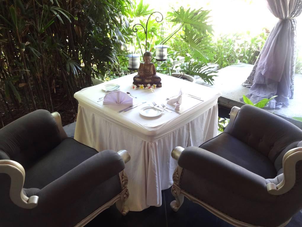 angela-asia-bali-luxury-travel-blog-best-bali-honeymoon-package-villa-mathis-romantic-seminyak-30
