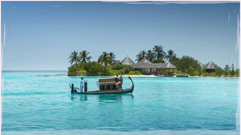Maldives | Four Seasons Kuda Huraa Sunrise Water Villa