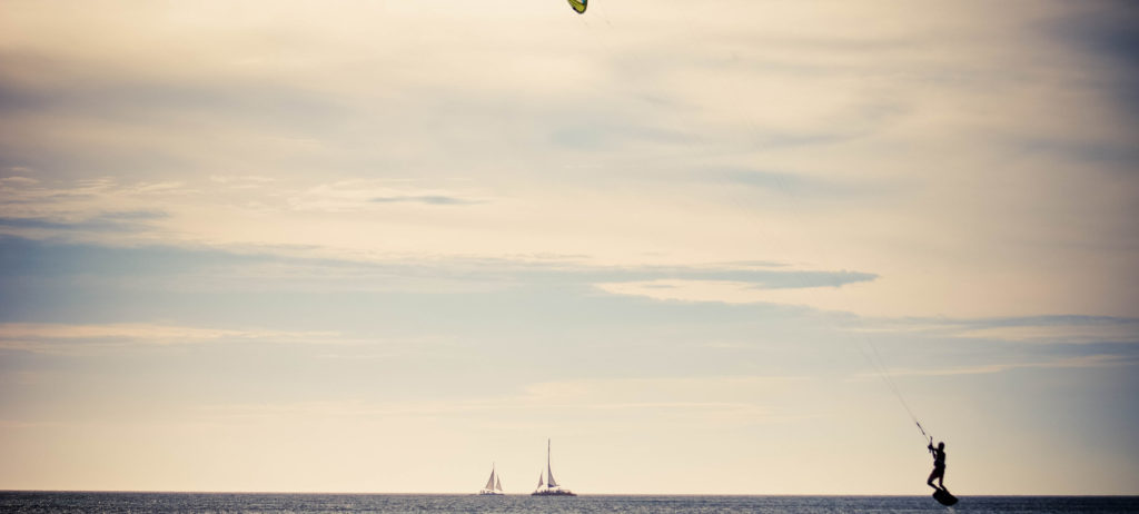 Aruba Boats Kite Surfer