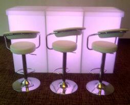 acrylic-pedestal-led-service-bar