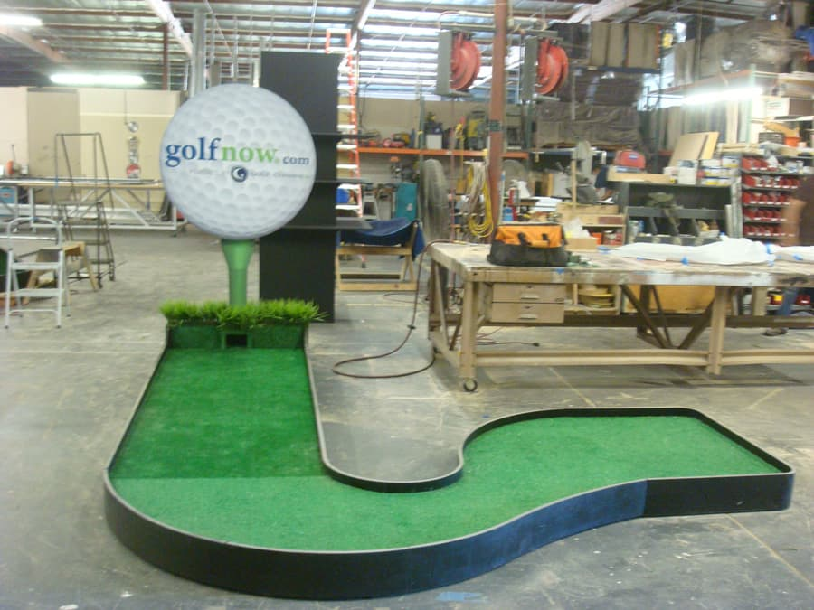 Custom Golf Putting Area