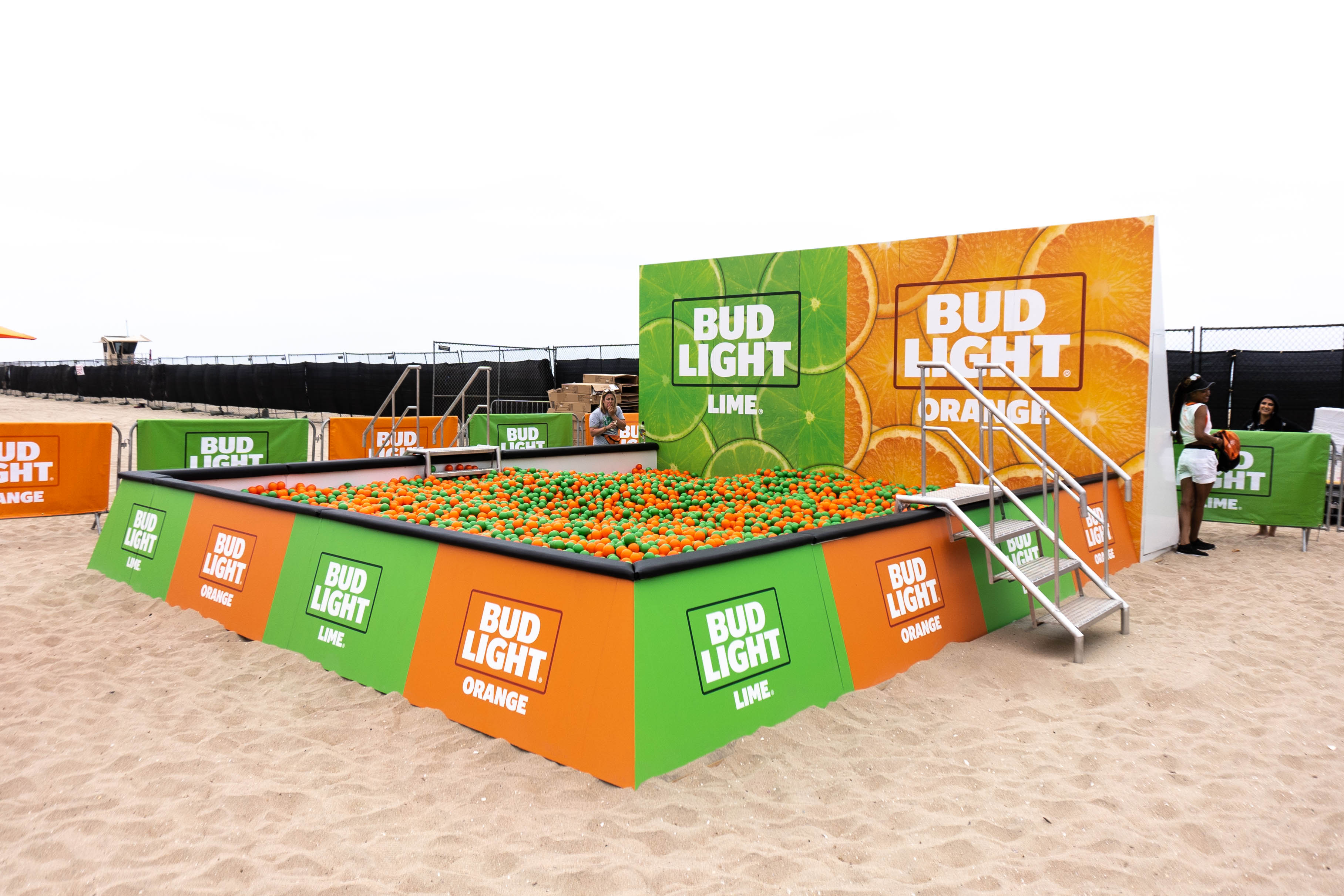 Budlight Lime and Orange Custom Branded Ball Pit