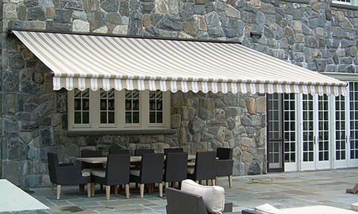 Futureguard the Hampton retractable awning