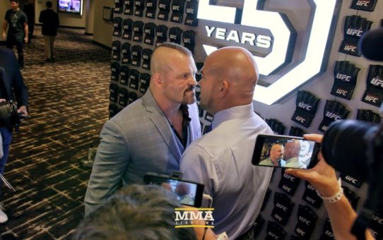 Chuck Liddell, Tito Ortiz Face Off on UFC Hall of Fame Red Carpet – MMA Fighting