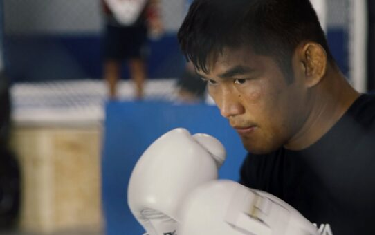 Aung La N Sang's HARD Training Session: Sparring, Weightlifting & More