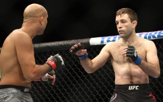 Free Fight: Ryan Hall vs BJ Penn | UFC 232, 2018