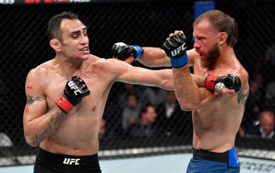 Free Fight: Tony Ferguson vs Donald Cerrone | UFC 238, 2019