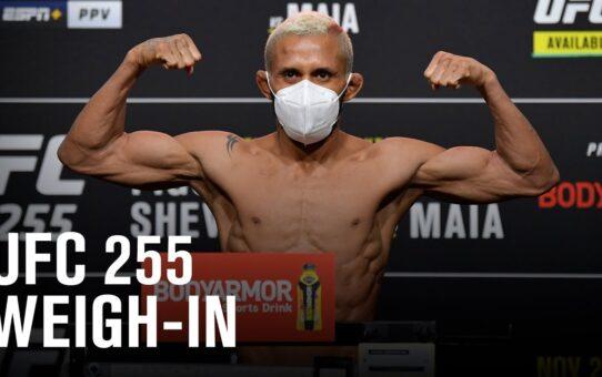 UFC 255: Weigh-in