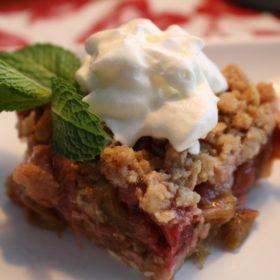 Rhubarb Crunch