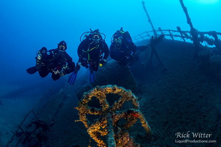 3 generations of WDHoF divers on a wreck