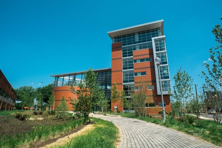 business-school-building-20160721-016