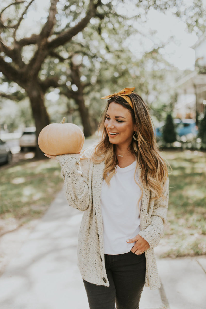 TODAY MARKS THE OFFICIAL FIRST DAY OF FALL. WHAT ARE SOME OF YOUR FAVORITE THINGS ABOUT THIS SEASON? READ MORE TO SEE HOW HOW I AM GETTING INTO THE SPIRIT OF THE SEASON.