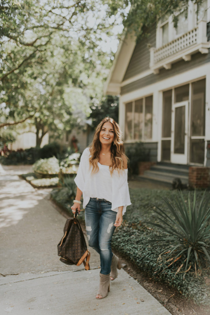 The hunt for the perfect pair of jeans is every woman's quest. Read more to hear about my new favorite brand. These jeans fit like a glove.