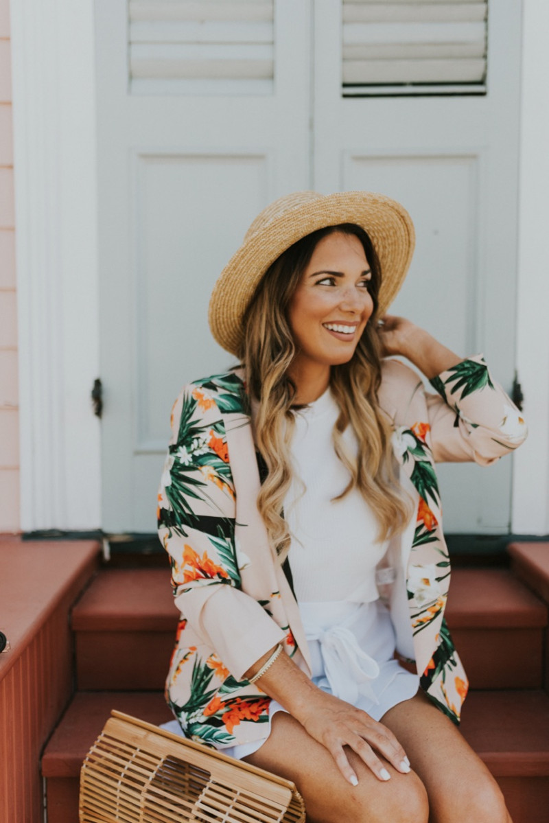 CHOOSING TO EMBRACE JOY AND FREEDOM DESPITE THE CIRCUMSTANCES. HOW TO MOVE PAST HURT AND DISAPPOINTMENT. READ MORE TO FIND OUT 3 WAYS THAT I'VE LEARNED TO STAY FREE.
