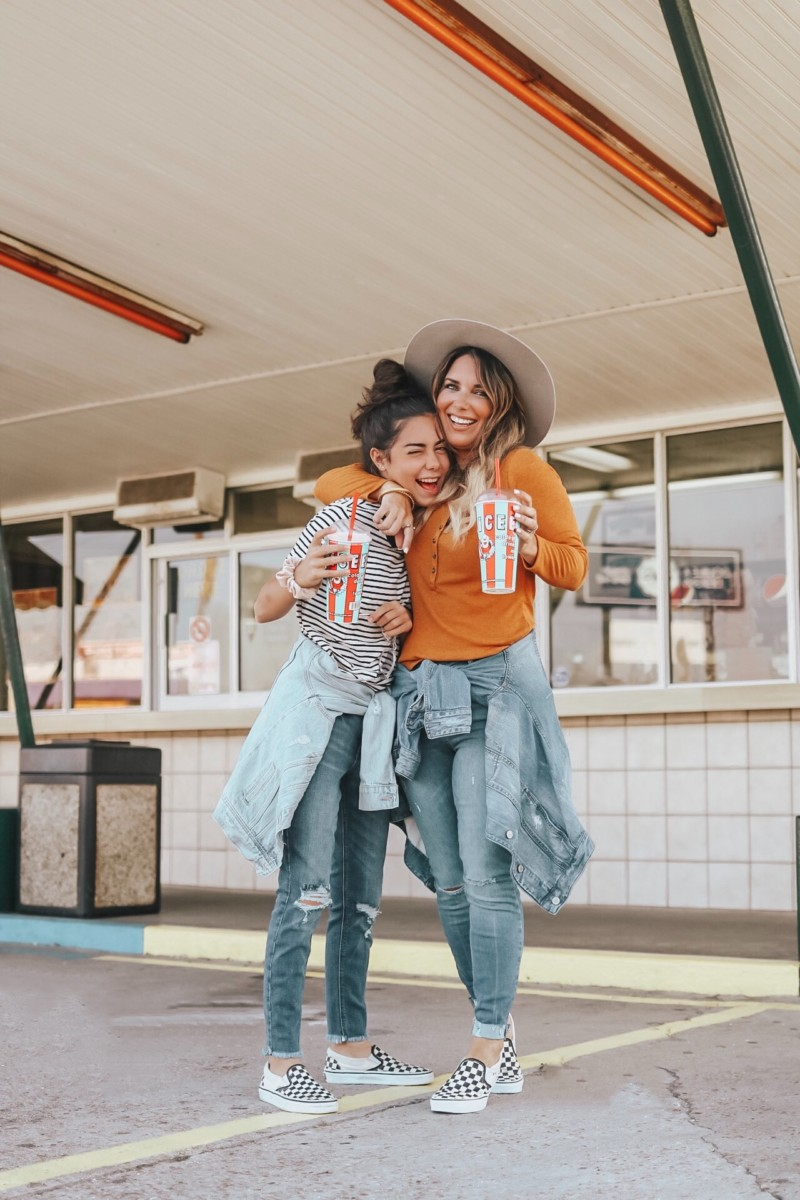 AFFORDABLE FASHION FOR MOM AND DAUGHTER AT OLD NAVY. PETITE JEANS FOR THE PETITE WOMAN. READ MORE ABOUT MY OLD NAVY FINDS ON THE BLOG.