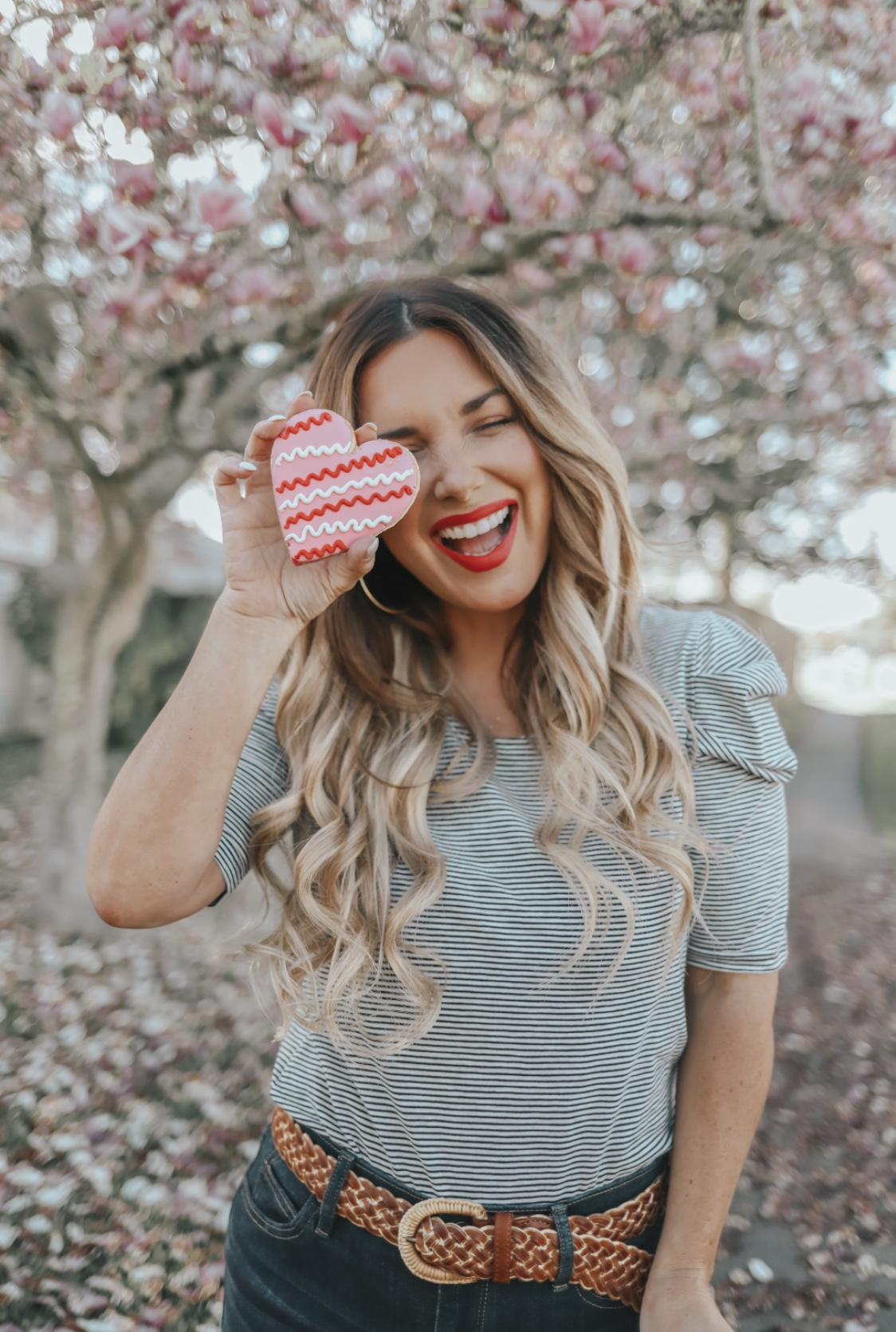 I'VE HAD TAPE-IN EXTENSIONS FOR A FEW YEARS AND UPGRADED TO THE HABIT HAND TIED EXTENSIONS. SHARING ALL OF THE DETAILS ON THE BLOG.