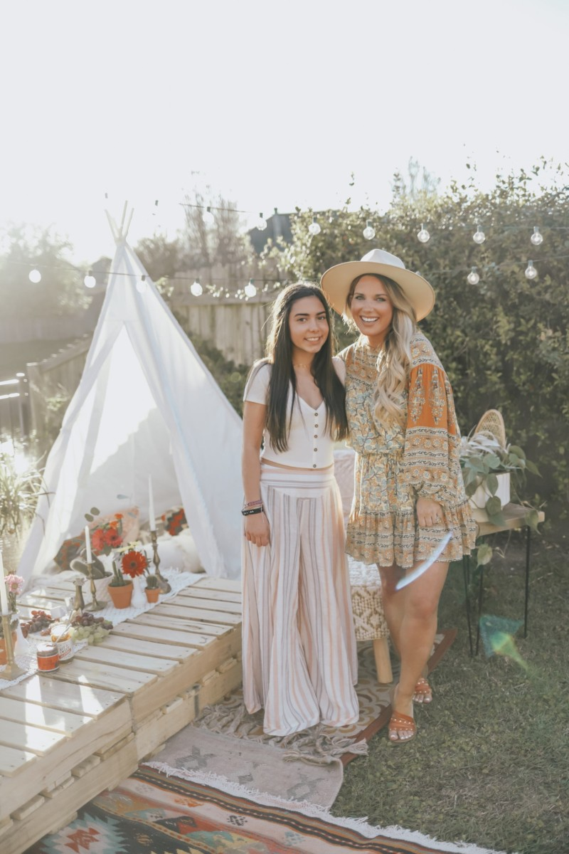 HOW TO CREATE A DREAMY, BACKYARD PARTY ON A BUDGET. HOW TO SHOP FOR A BOHO THEMED PARTY. ALL OF THE DETAILS ARE ON THE BLOG.