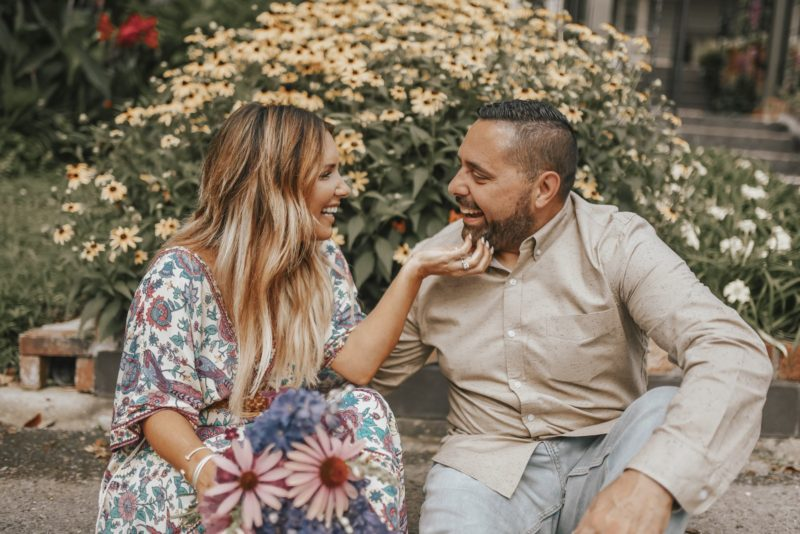 OUR DO'S + DON'TS TO KEEP YOUR RELATIONSHIP HEALTHY + THRIVING. MORE TIPS ON THE BLOG ON HOW TO STAY IN LOVE.