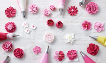 How to Make Beautiful Buttercream Flowers