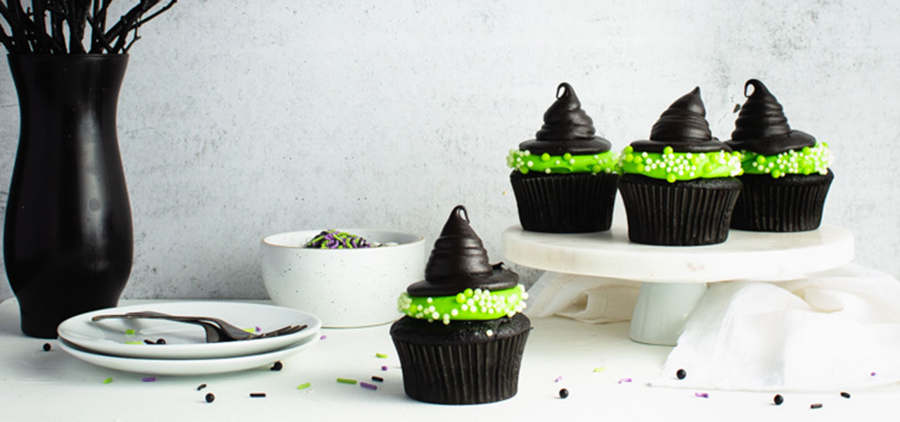 Our Favorite Halloween Desserts from Around the Web