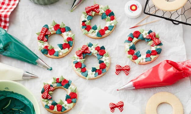 How to Make Buttercream Christmas Wreath Cookies