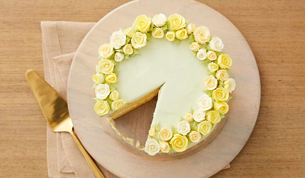 How to Pipe Buttercream Roses