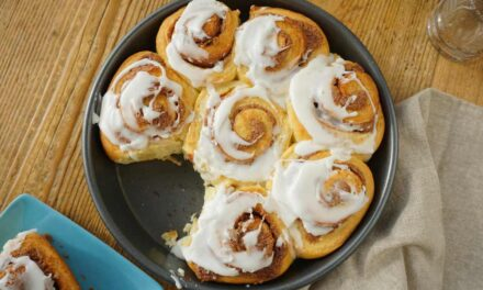 How to Make Delicious Homemade Cinnamon Rolls