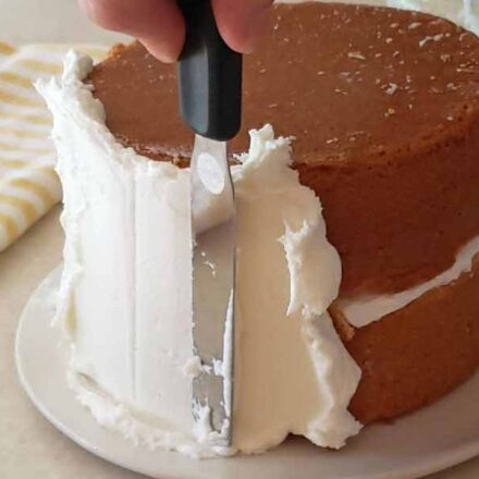 frosting cake with crusting buttercream frosting