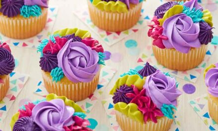 How to Make Textured Buttercream Cupcakes