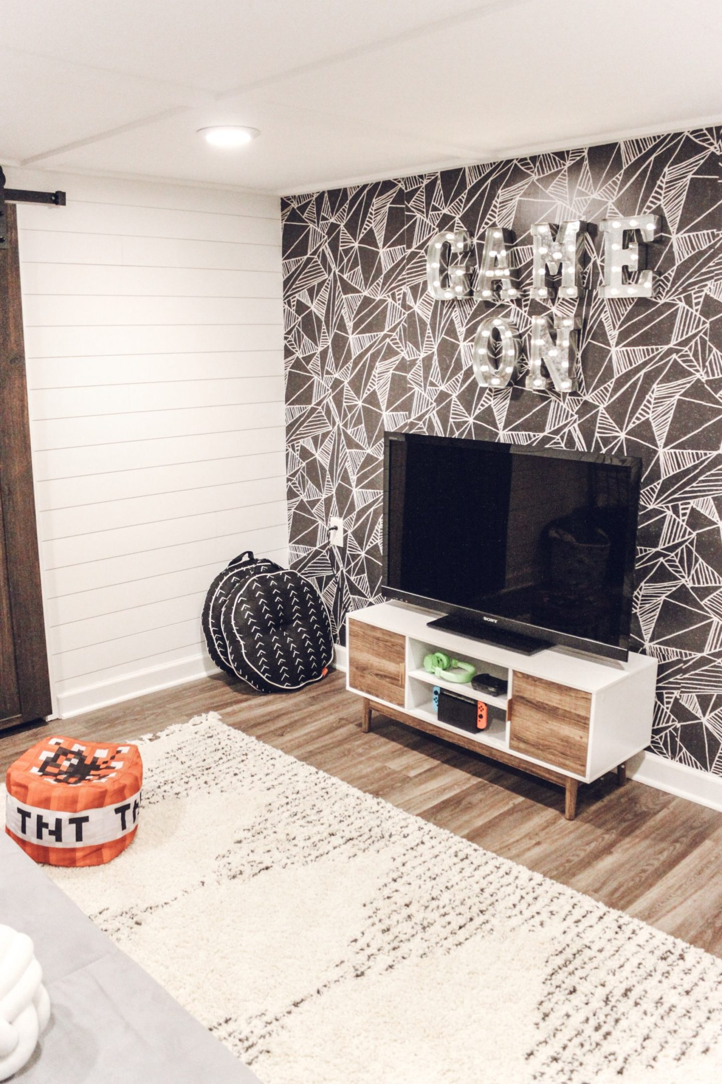 Boys Game Room, Game Room Makeover with Wallpaper