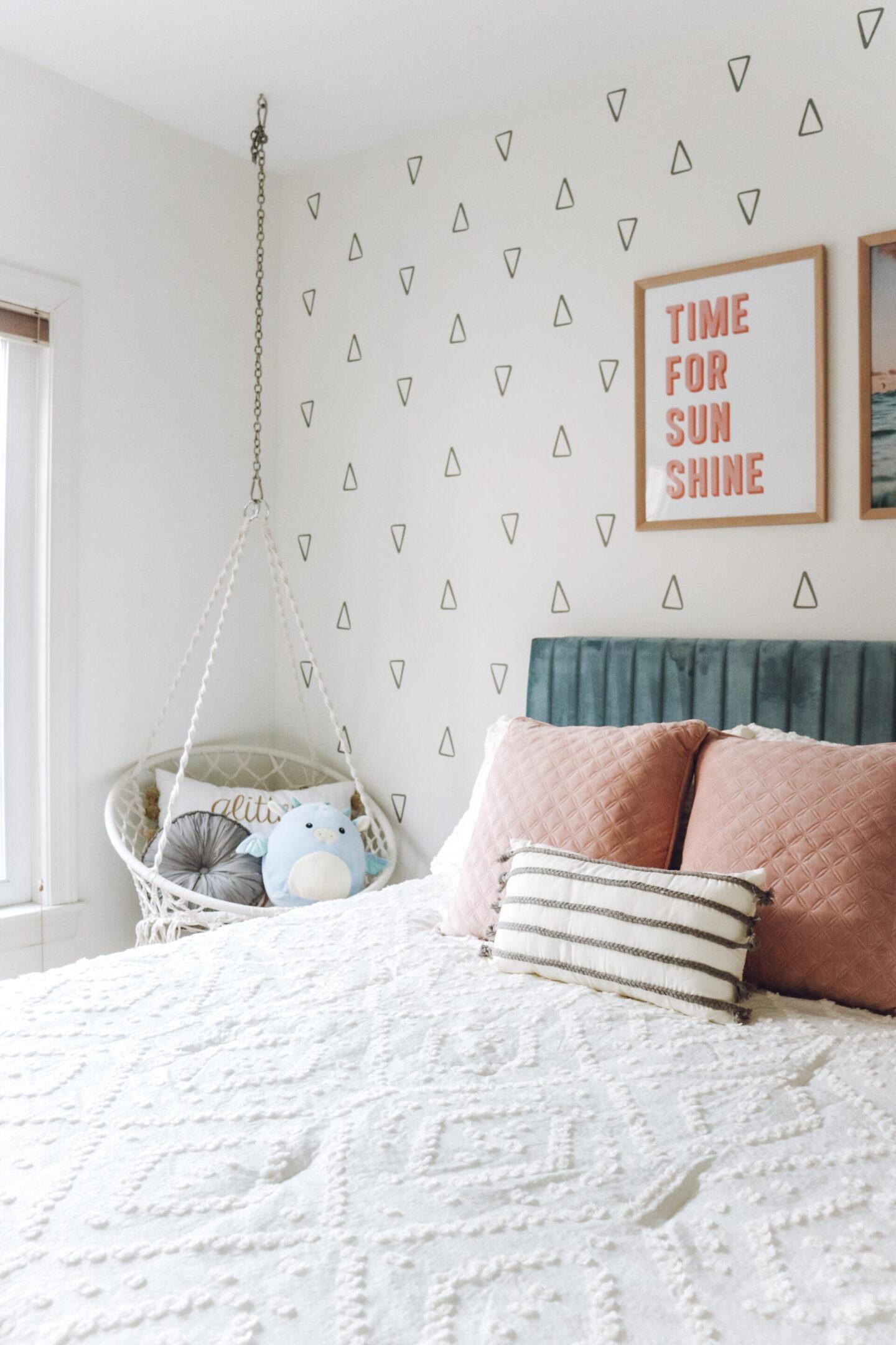 tween girls bedroom