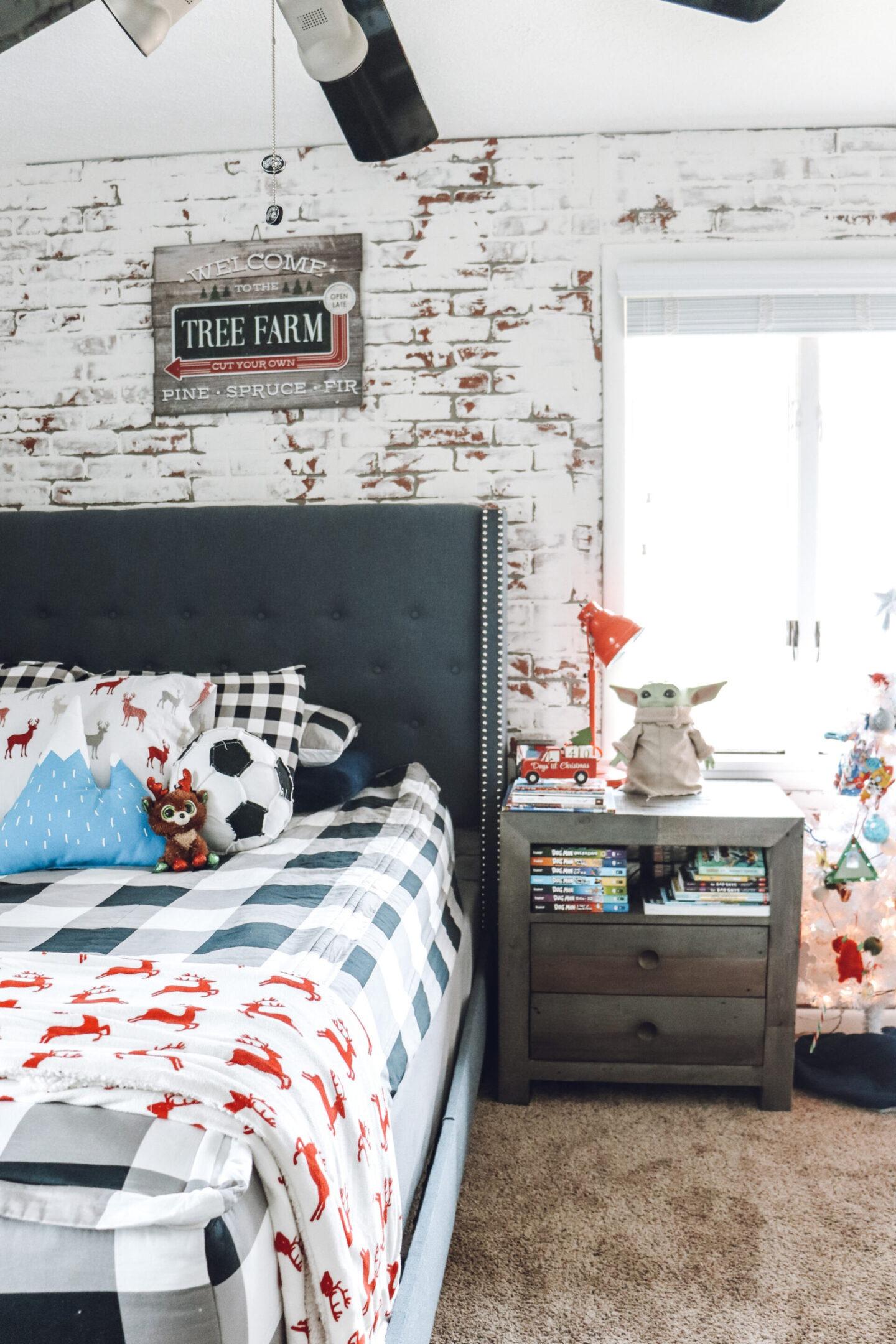 Christmas boys bedroom