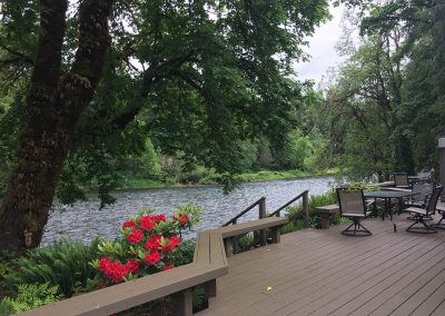 McKenzie River vacation home rental Best dining view anywhere