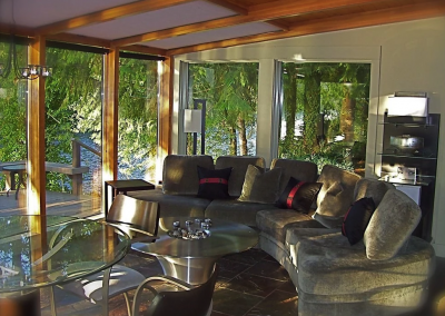 McKenzie River vacation home rental sun room